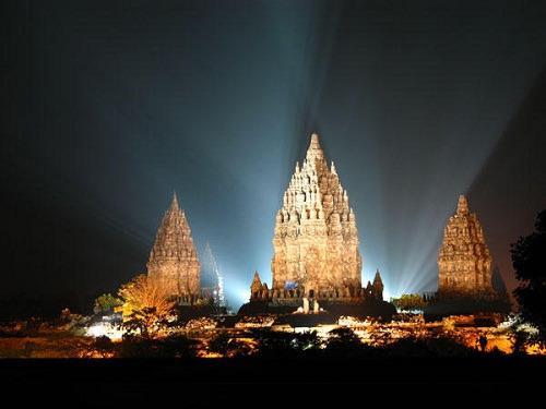 Menyingkap Misteri Siapa Yang  Membangun Candi Prambanan - AnekaNews.net