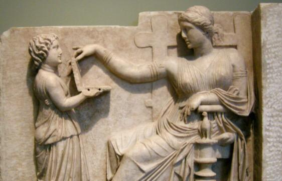 A girl showing her mom her new #laptop with two usb ports. Marble statue, Greece, 110 BC. #computerarcheology http://t.co/EveLgRFMJp