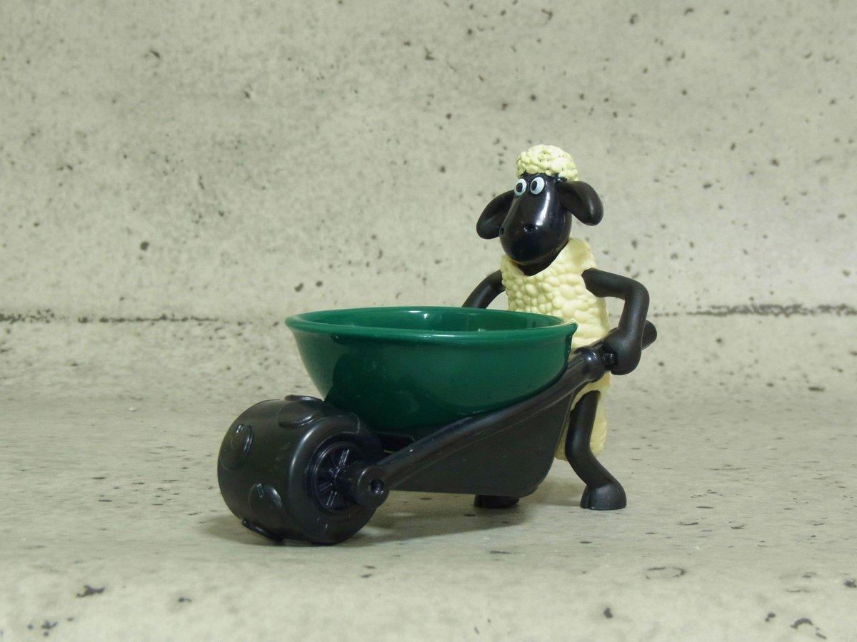 今ハッピーセットでもらえるショーンのエッグホルダー卵以外を乗せても楽しいのでオススメです pic.twitter.com/1gU6ulF4bK