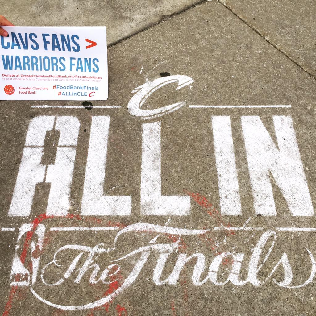 Do you think @cavs fans > @warriors fans? Show your support by retweeting this photo! #FoodBankFinals #ALLinCLE http://t.co/gAbARJnTZw