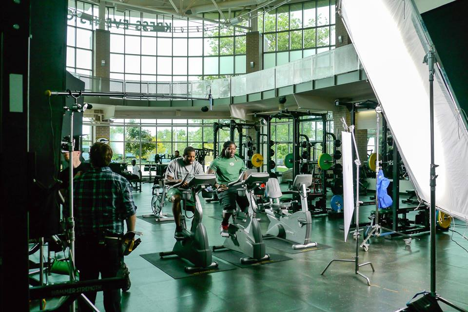 Workout alongside @packers? It happened last Thurs when @rcobb18 & @Lil_Eazy_Ana_42 filmed a commercial in the Kress. http://t.co/JAnWo8hlrF
