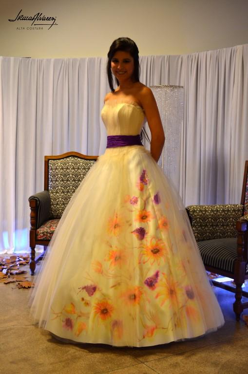 Irma Alvarez On Twitter Carla Semperena Con Un Vestido De