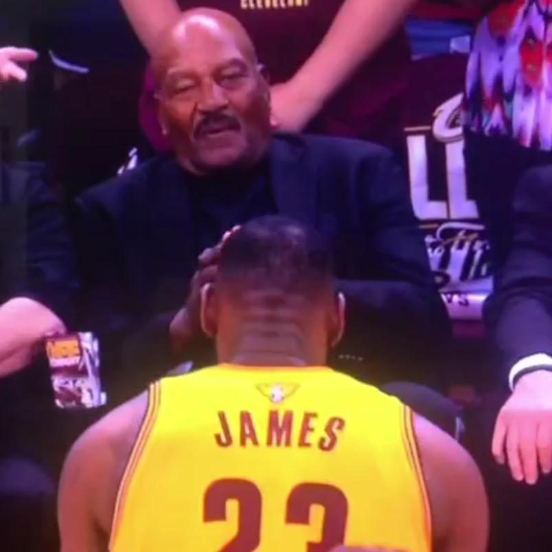 2601e5eac77 video lebron james bows down to the goat jim brown before game 3