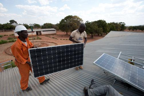 Blog | Energy access crucial for economy & poverty reduction by @IanScoones http://t.co/ZW6eLT4TRt #LowCarbonAfrica http://t.co/MBUuvXoZ08