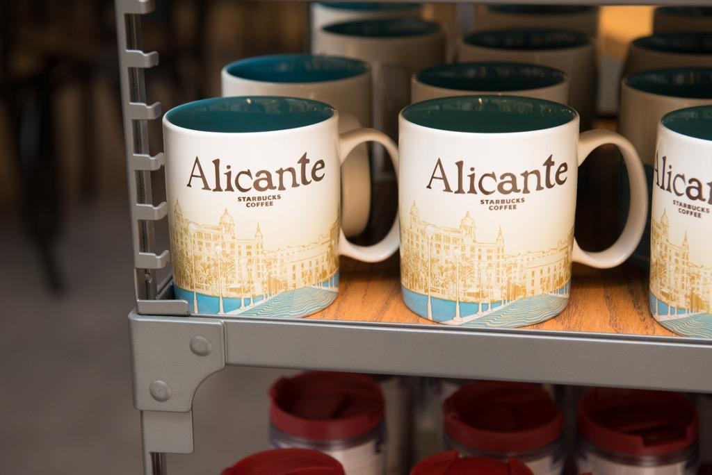 ¡Hola Alicante! Por fin estamos con vosotros! #StarbucksenAlicante http://t.co/0Rl9S09rwY