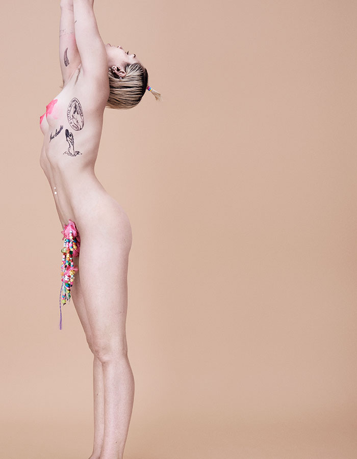 Miley cyrus topless uncensored pics — pic 10