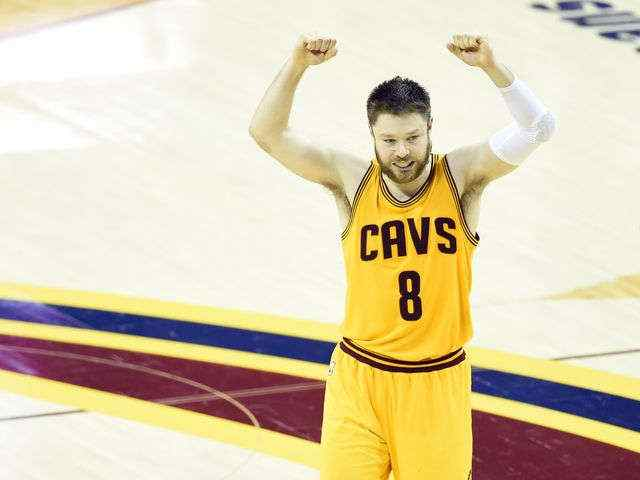 BREAKING NEWS: #Dellavedova hospitalized early Wed after suffering from severe cramps after Game 3 of the #NBAFinals http://t.co/HhODSO0A9L