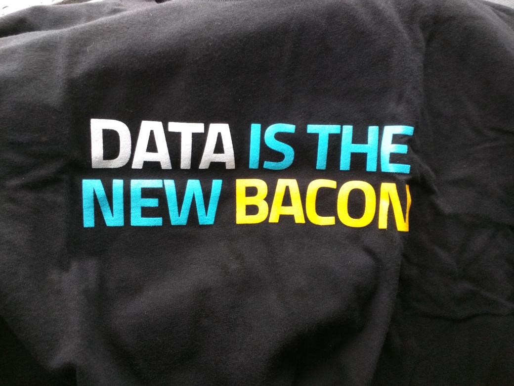 T-shirt swag @cloudera FTW #NewCoSv http://t.co/GDnLFDubu0