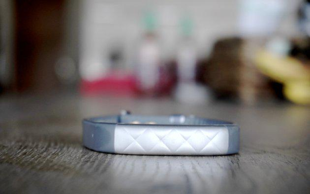Jawbone hits Fitbit with another lawsuit, seeks to ban US shipments
