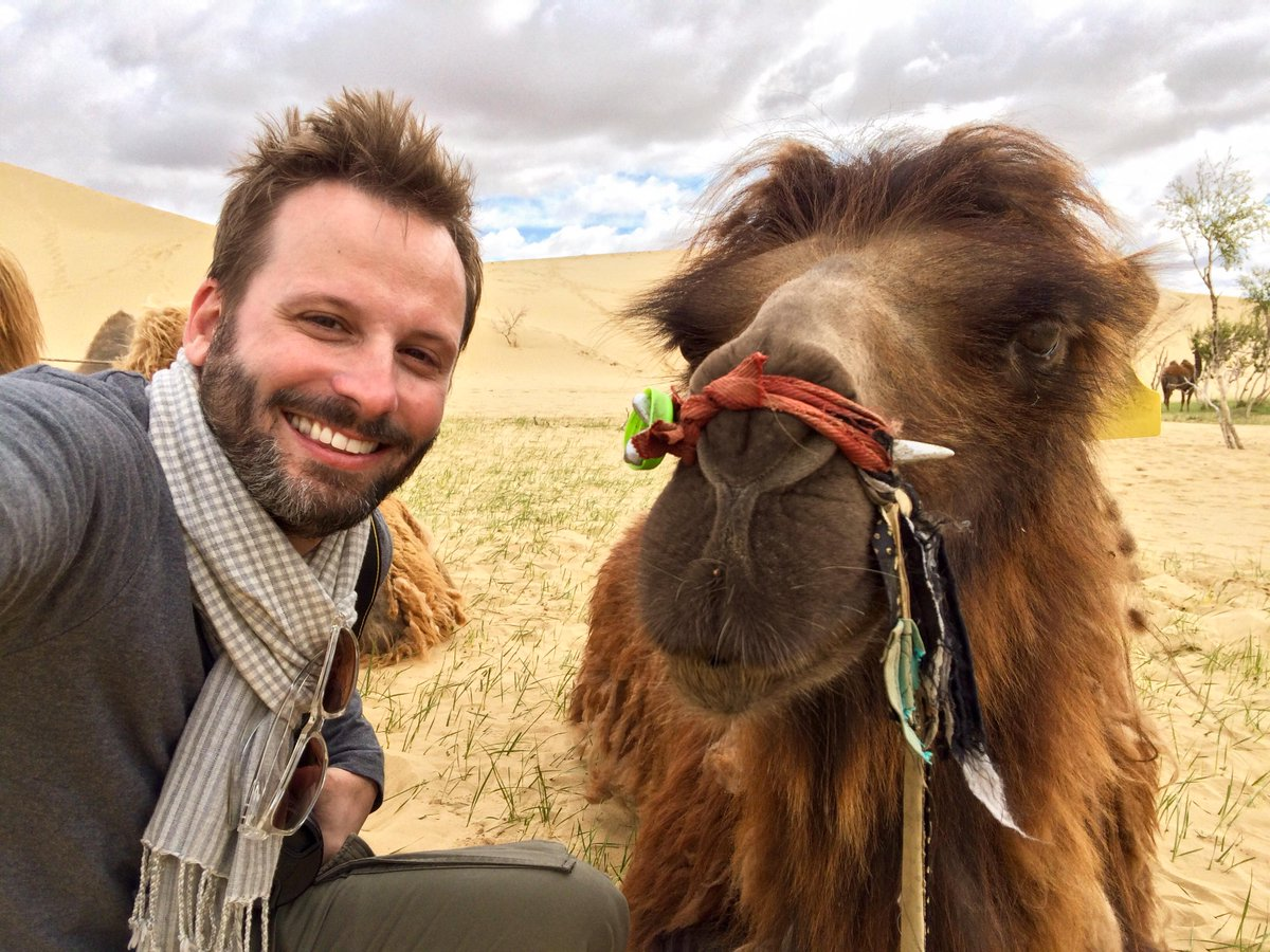 This is a #CamelSelfie. Because, why not? #GobiDesert #Mongolia http://t.co/aJ0v1hSWdV