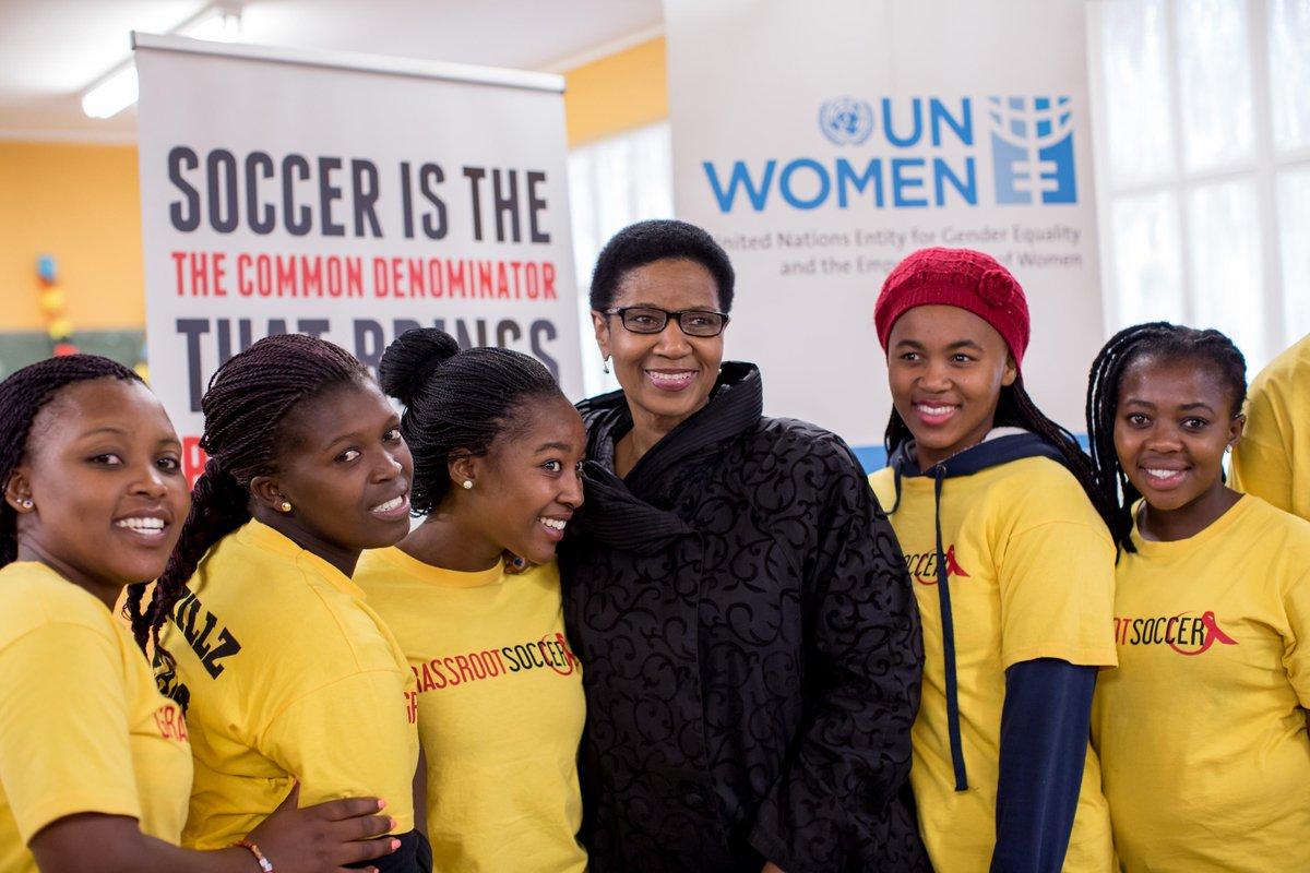 Girls kick violence with @GrassrootSoccer. #sportandgender @phumzileunwomen @UN_Women http://t.co/5rdC9EHDCT http://t.co/85fWgOZUC8