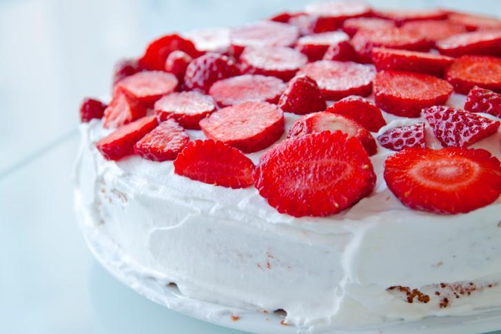 рецепт творожно клубничного торта