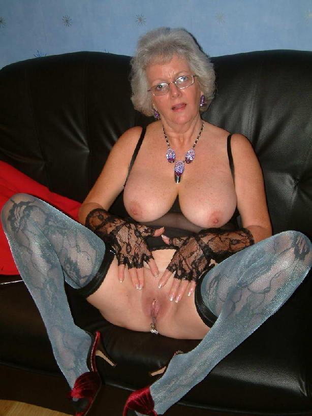 Spread Elderly Pussy 3