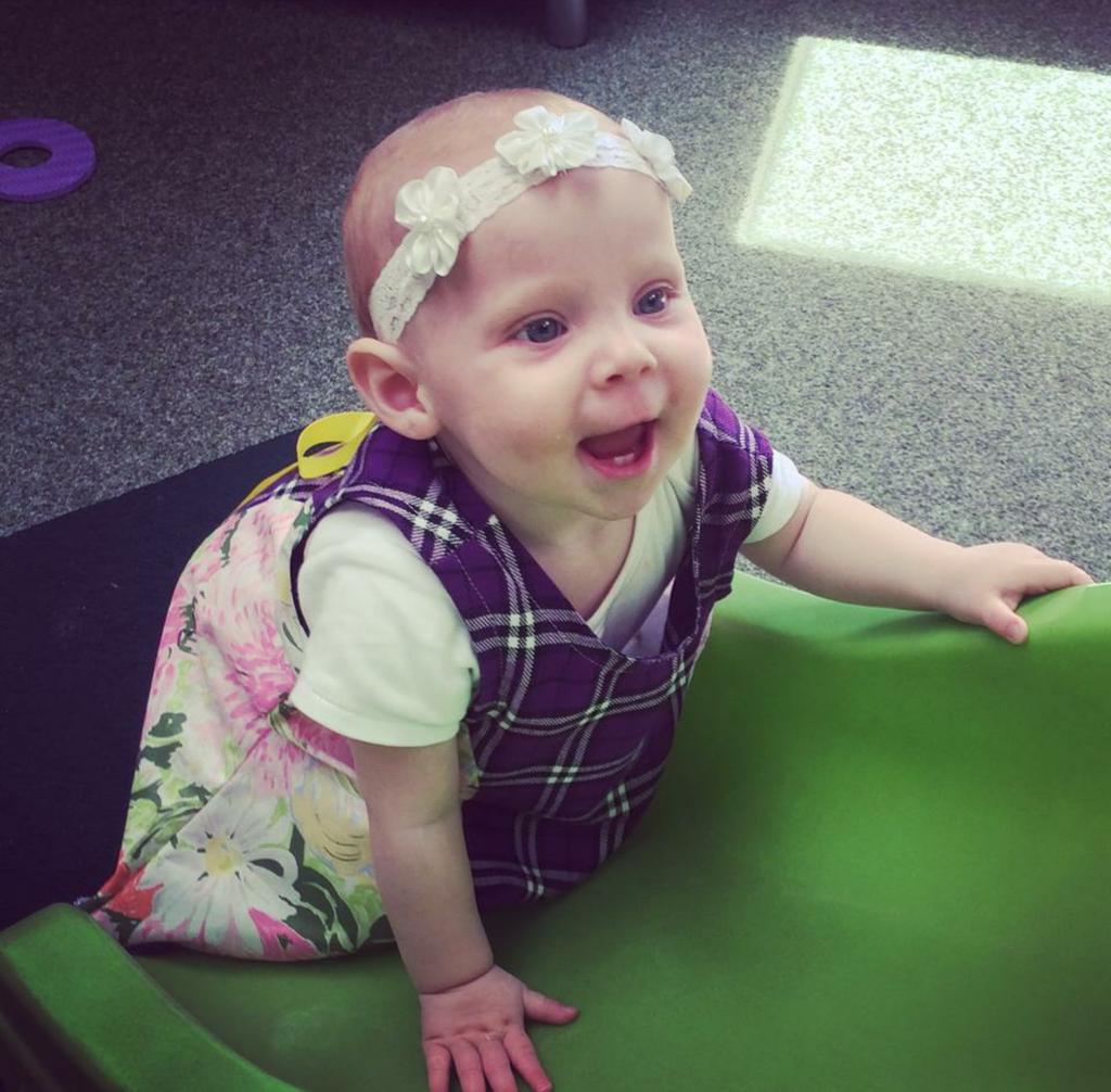 Baby  Ella rocks her new look #babymoda #babydress #scottish #tartan #vintagestyle  #cutebabypic.twitter.com/G8rExdZvQQ