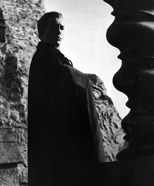 Sir Christopher Lee, 1922-2015. Here's Sir Christopher in perhaps his most iconic Hammer role, as Count Dracula. http://t.co/aut4FYBqqV
