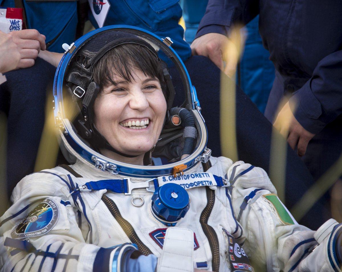 Excellent photo of @SpaceCampHOF member @AstroSamantha after she landed today on Soyuz #TMA15M. Credit @ingallsimages http://t.co/jnEGOzd96u
