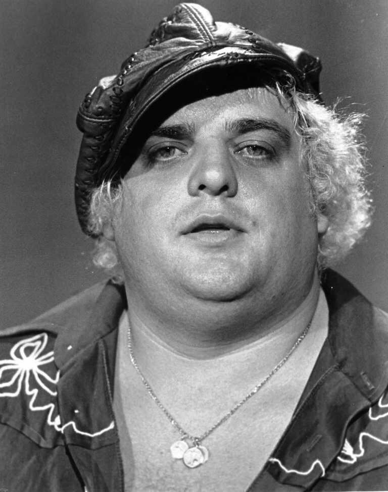The American Dream @WWEDustyRhodes has passed away. True pro wrestling pioneer. #RIPDustyRhodes #WWE http://t.co/qPFE4CLmMt