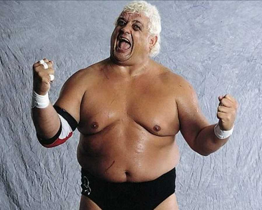 #WWE Hall of Famer Dusty Rhodes passes away http://t.co/vcu7S70tmq http://t.co/epYEDGUpCJ