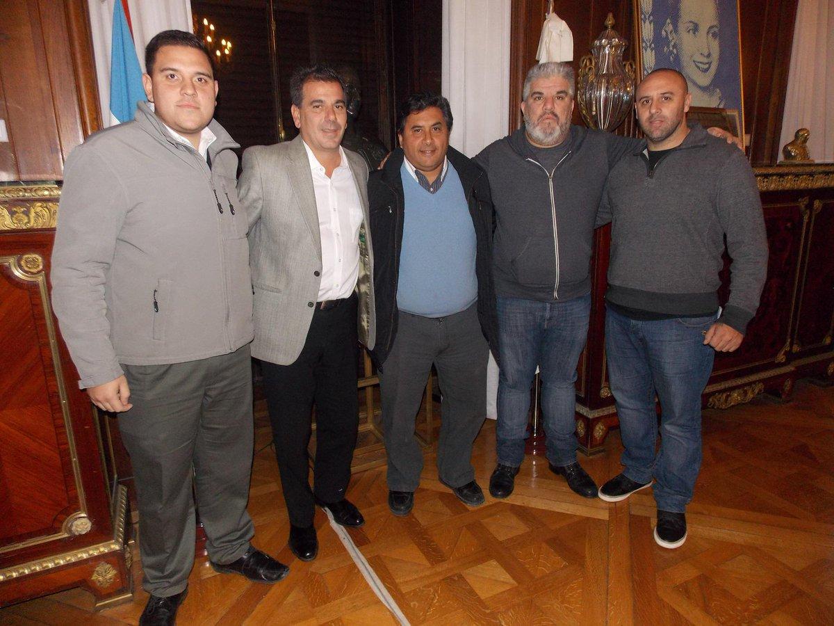Con @cristianritondo y autoridades de la Liga Amateur de Fútbol de Flores. El predio, por 20 años más para el club. http://t.co/oeGnmEX7pS