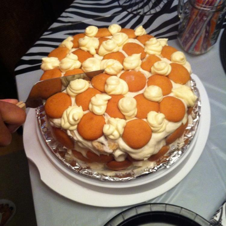 "@papercuppoonie .. Look! ""@OCT336: #TBT Homemade banana pudding cake I made for my lil sister birthday http://t.co/bAhD5tPclg"""