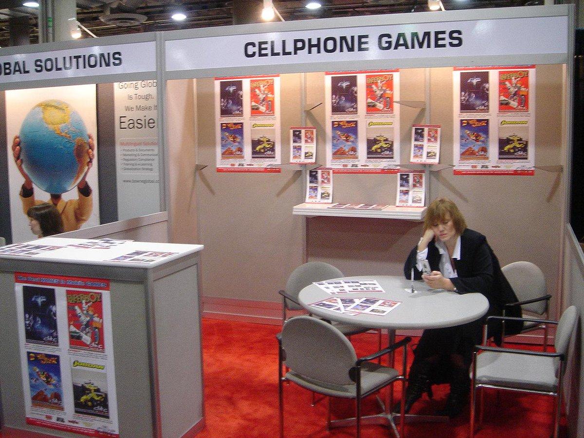 Mobile gaming was HUGE in 2004 #E3Memories http://t.co/efGi4xg1pM