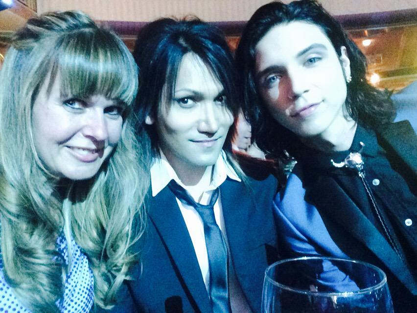 @KerrangMagazine awards with @AndyBVB @AshleyPurdy @blackveilbrides 🎉🎉🎉#RelentlessKerrangAwards http://t.co/I2rJBlW2PL