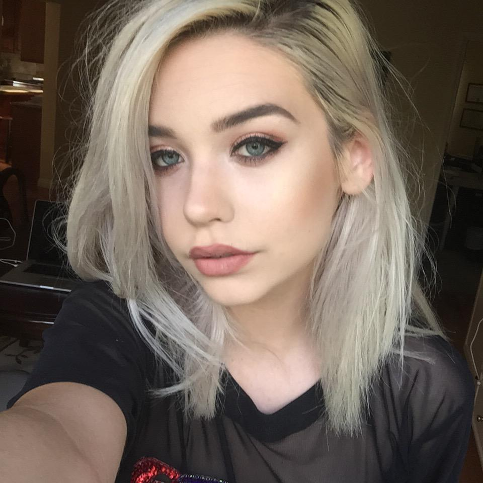 Amanda Steele On Twitter U0026quot;amanda Tries A New Makeup Look Http//t.co/usesSIpMIUu0026quot;