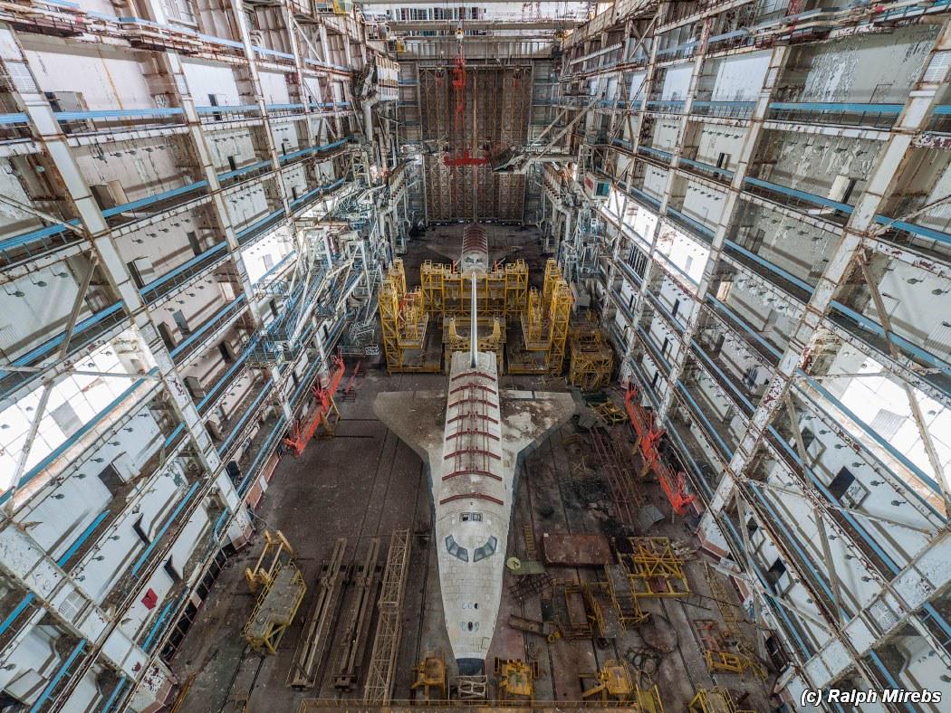 デイリー・メール記事経由だけど、ロシアのバイコヌール宇宙研究施設の廃墟  航空宇宙・軍事・日本のアニオタなロシアの人のサイトらしい