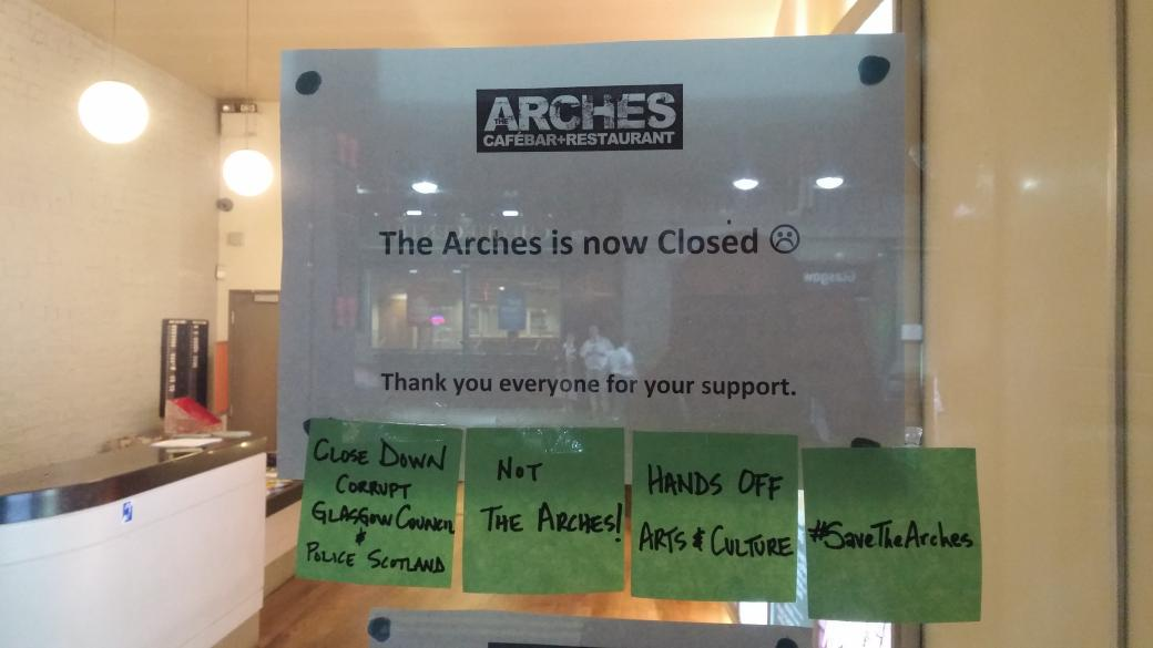 #TheArches staff left a pretty strong message attached to the front door before they left. http://t.co/iELuFmzWLw