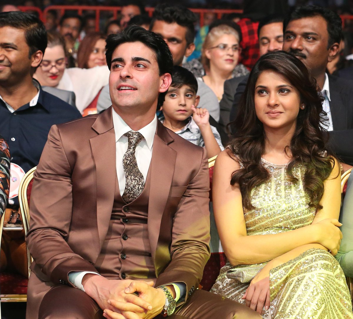 Because of the constant demand from @gautam_rode and @jenwinget fans ,a photo of both together at #AsiavisionAwards http://t.co/hkyCi59nQw
