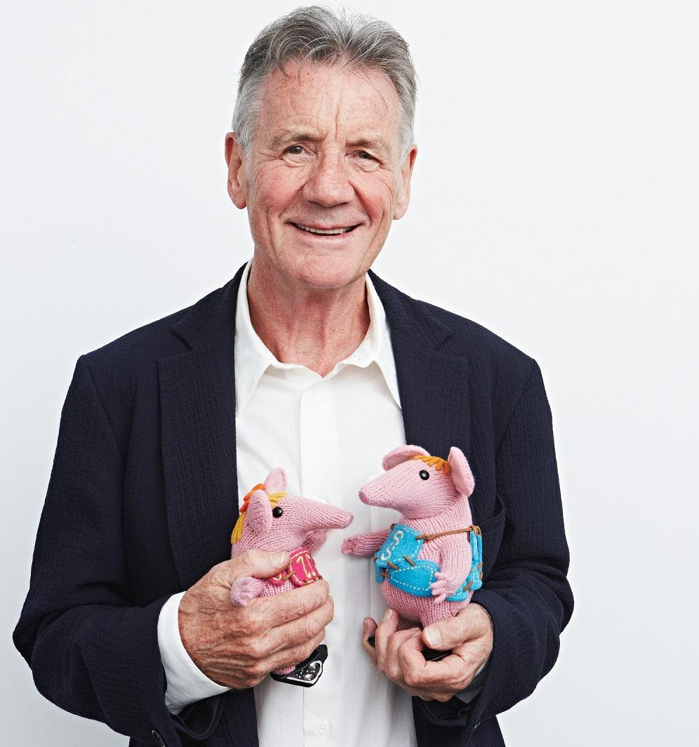 The #clangers are back! And they've got a new friend. This picture is all kinds of gorgeousness. http://t.co/sEkbHcFMkG