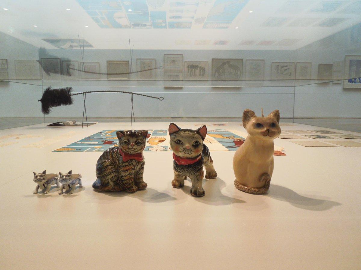 【猪熊弦一郎展 猫達】いよいよ明日6月13日オープンです。168点の猫絵を展示、室内はかつてないぎゅうぎゅう詰め状態です。猪熊が描いた(つくった)猫903匹と、それ以外の猫18匹。総勢921匹の猫達がお待ちしております。 http://t.co/vpoRgxB19O