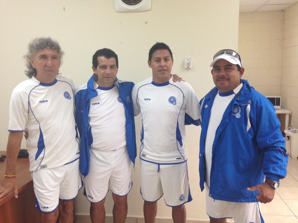 Edgar Henriquez nuevo tecnico de La Seleccion Nacional Sub-15. CHTw3QgUAAIJ45e