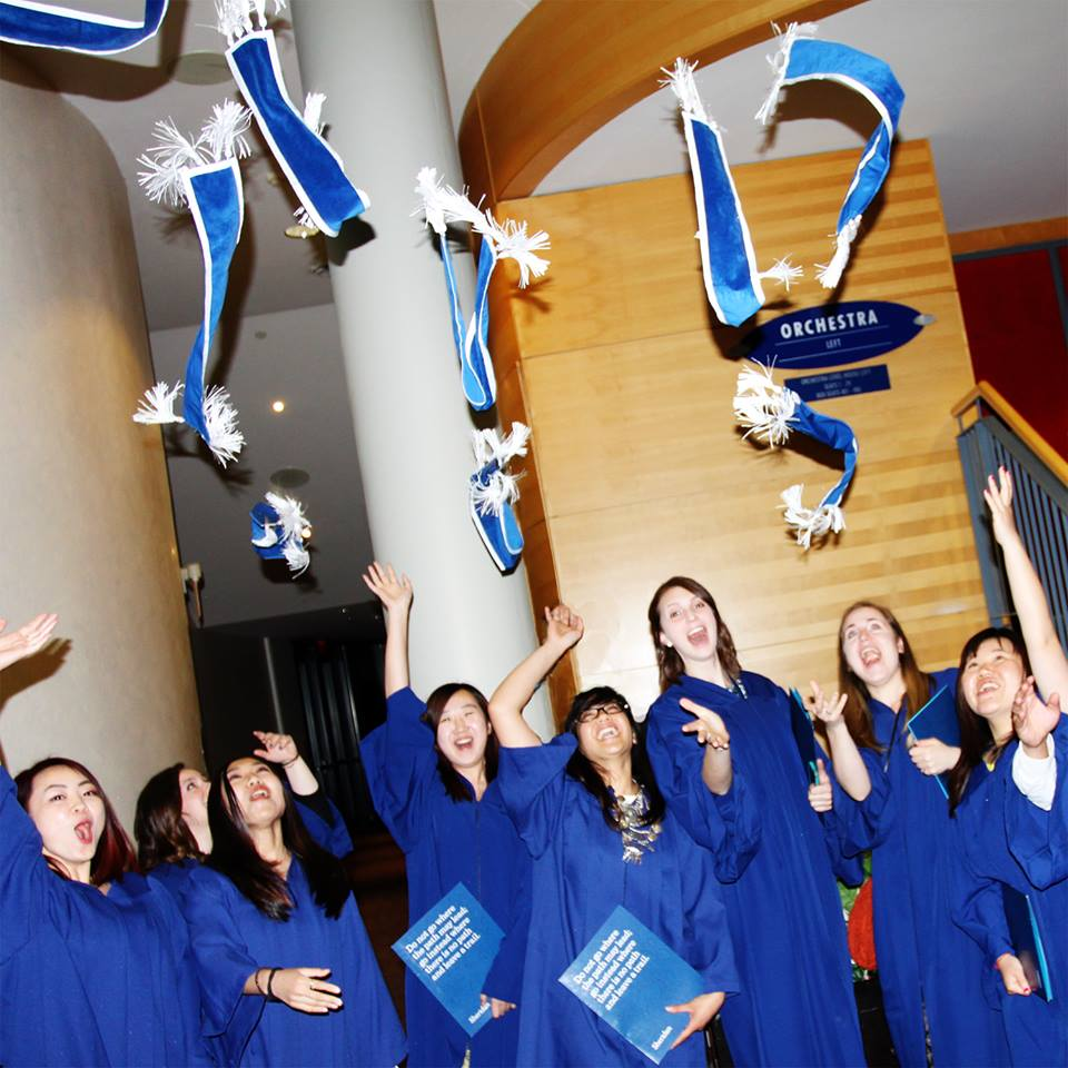 Congrats to our 2015 graduating class! #SheridanConvo #getcreative (photo by @danzen) http://t.co/4NG9IJC9Nz
