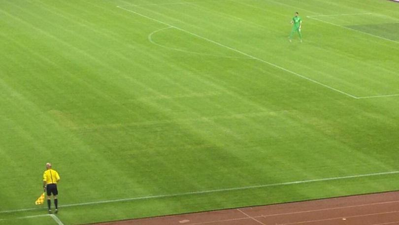 FOTO VIDEO Croazia-Italia 1-1: la svastica disegnata sull'erba del campo di Spalato