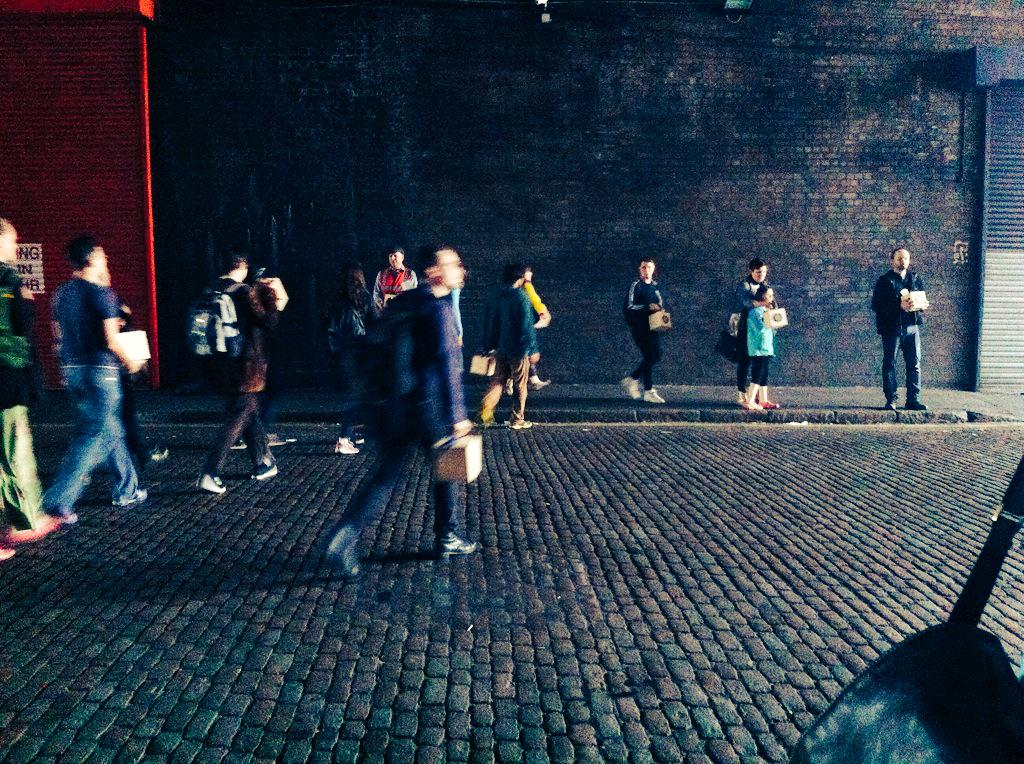 Lovely way to end the day with an orchestrated walk around #Birmingham with @ofcircumstance #afoldedpath #beesinatin http://t.co/vilQh4WyP0