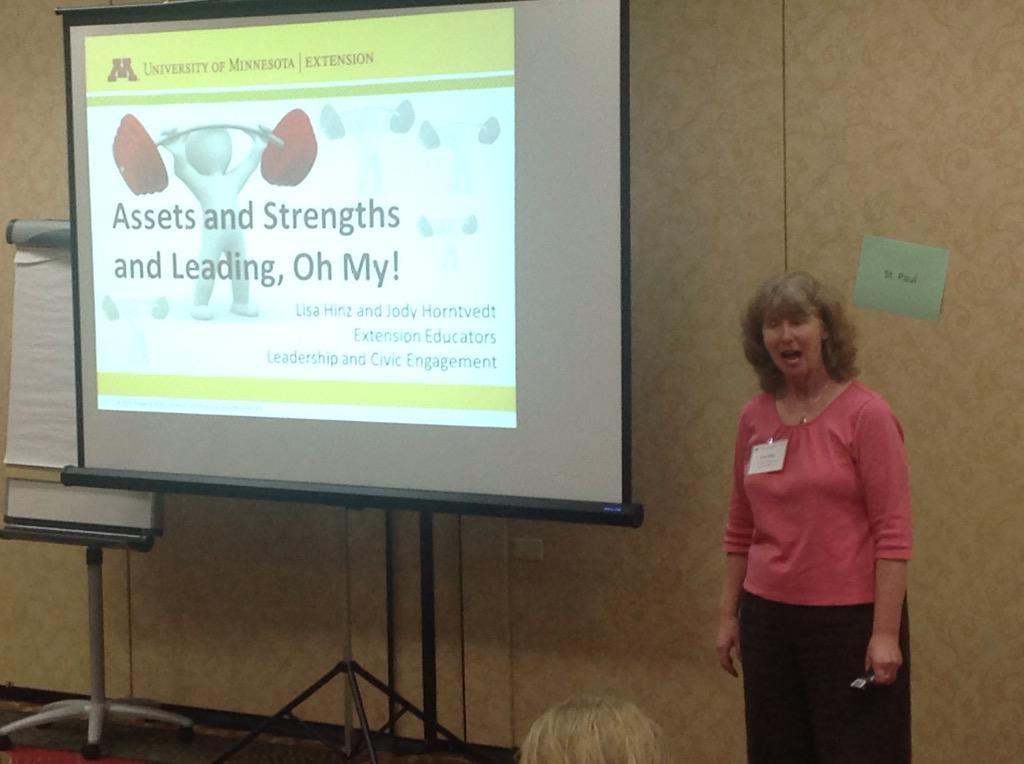 After breaking bread, educator Lisa Hinz is now refreshing alumni on applying their strengths. http://t.co/m99DXHe9r9