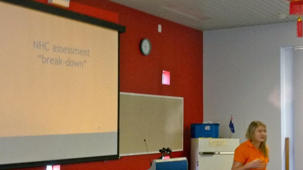 Enthusiastic young teacher talking about Nat Hist Chall with Yr7 @EmDonders #htawa15 @WA_HTA http://t.co/CqC2nupfuS