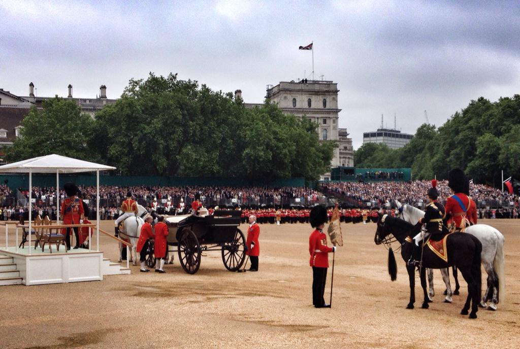 Trooping the Colour 2015. CHX1YINW8AE3Lgm