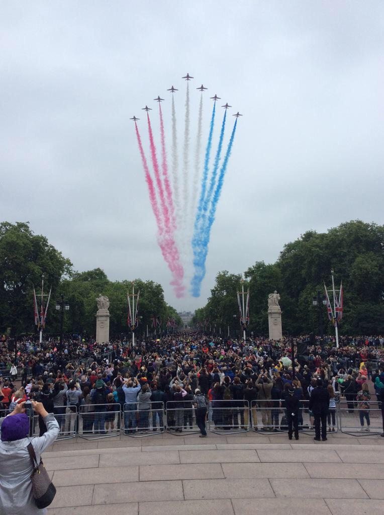 Trooping the Colour 2015. CHY-kJdWUAAE41_