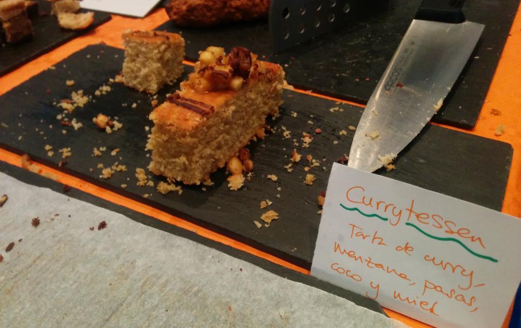 Sorprendente la tarta con curry de @Celikatessen los sabores diferentes se suceden en la boca. Me encanta! http://t.co/s2CtQhsLD7