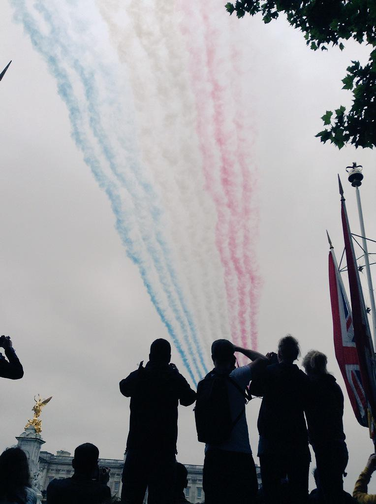 Trooping the Colour 2015. CHZ6recWsAAT7K7