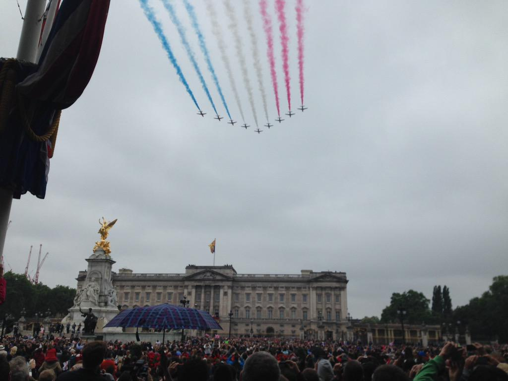 Trooping the Colour 2015. CHZK55HWgAAc5i4