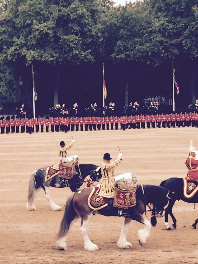 Trooping the Colour 2015. CHZpFjXWcAACt1A