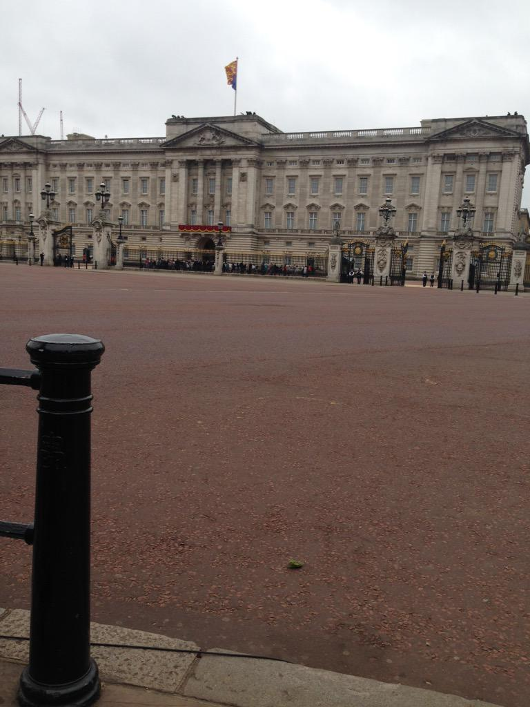 Trooping the Colour 2015. CHZvcYbWwAEPNbG