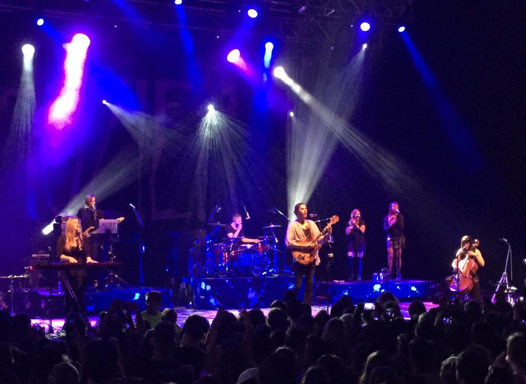 This crowd LOVES you @hozier. Not even a thunderstorm kept them from missing this #HozierMPP http://t.co/lvxlCswMrG
