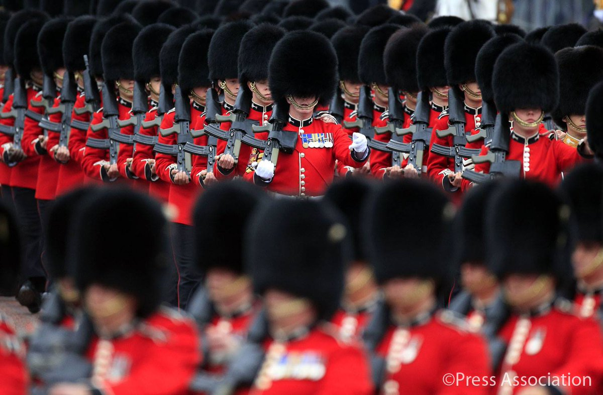 Trooping the Colour 2015. CHaSeG4UMAA9XR7