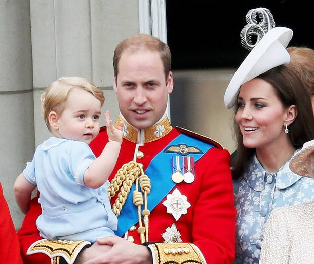 Trooping the Colour 2015. CHaZhd9VEAE03VO