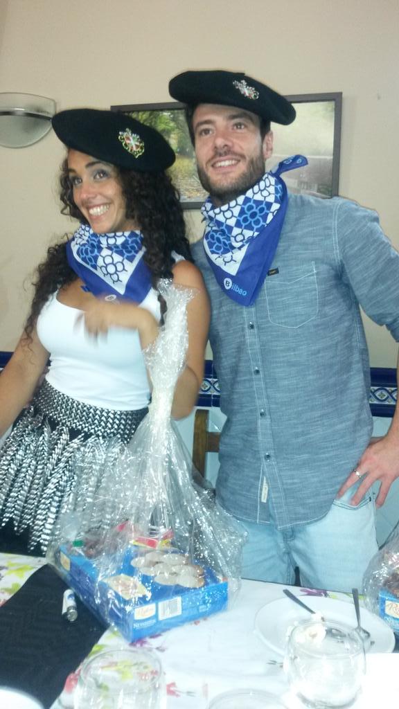 Fotos Quedada Noe y Aless Bilbao 13 y 14 de junio de 2015 CHazrXbWEAAB0ad