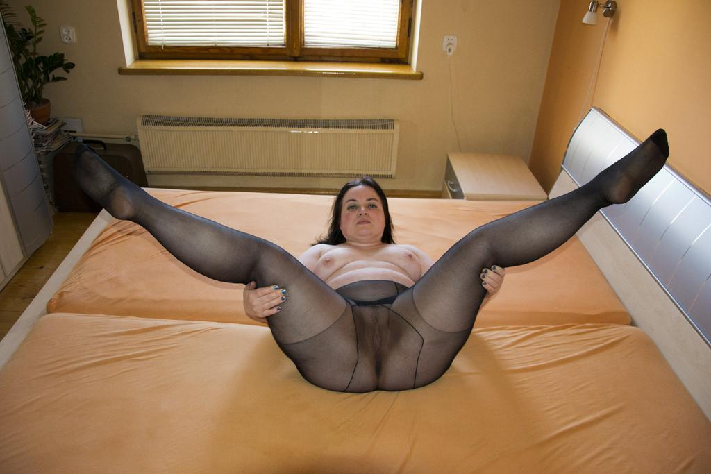 chubby cougards spreading gallery